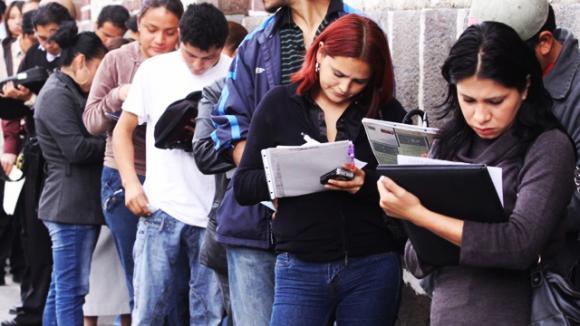 jovenes-buscando-trabajo