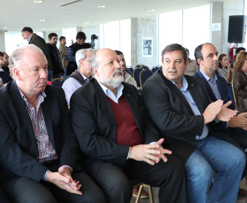 Arq. Gustavo Giobando, decano FA; Ing. Rudy Grether, decano de UTN-FRSF;  Enrique Mammarella, Rector UNL